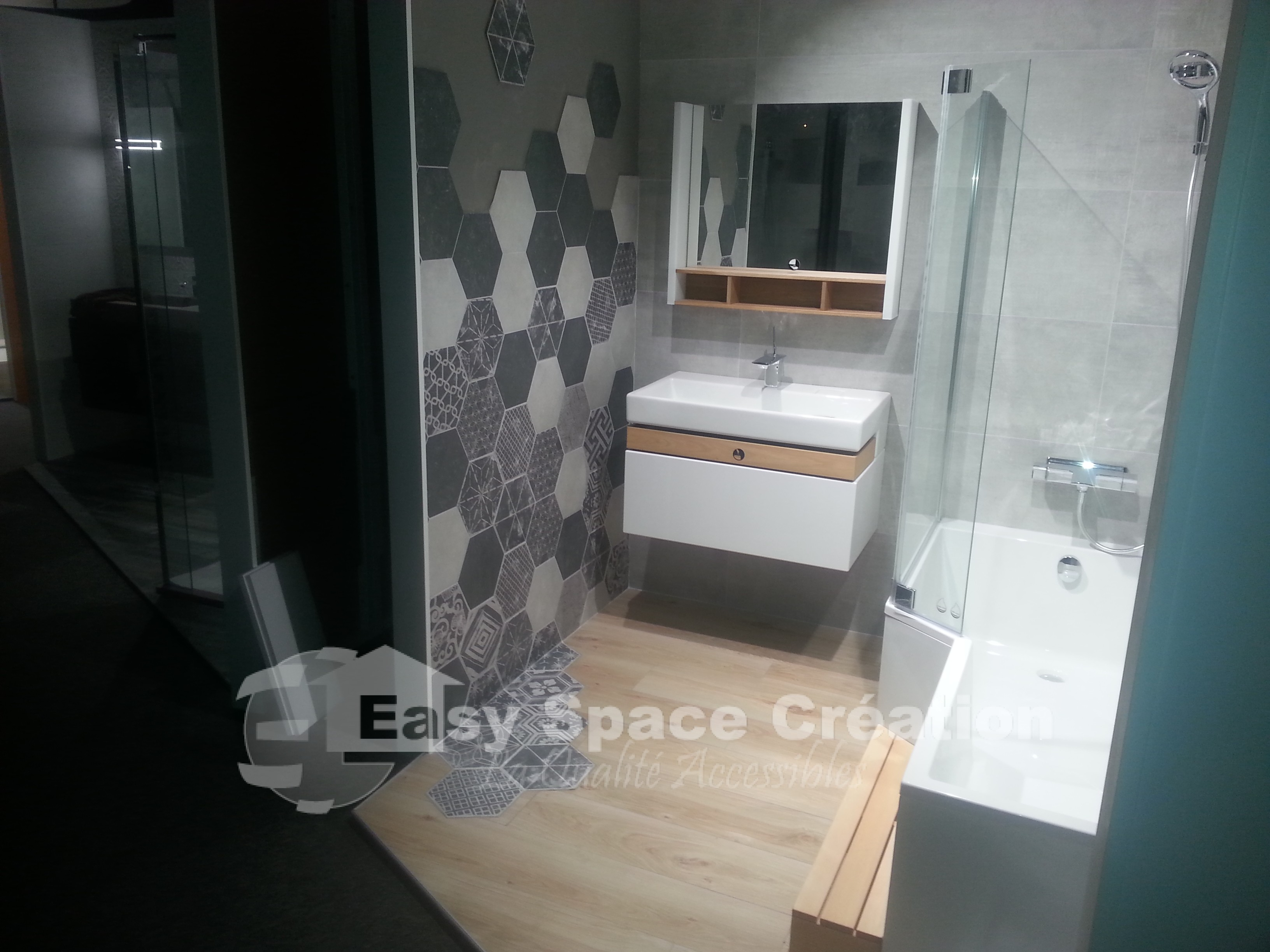 Realisation Du Show Room Art Carrelage A Angoulins Easy Space Creation Carrelage Et Dallage Sur Plot